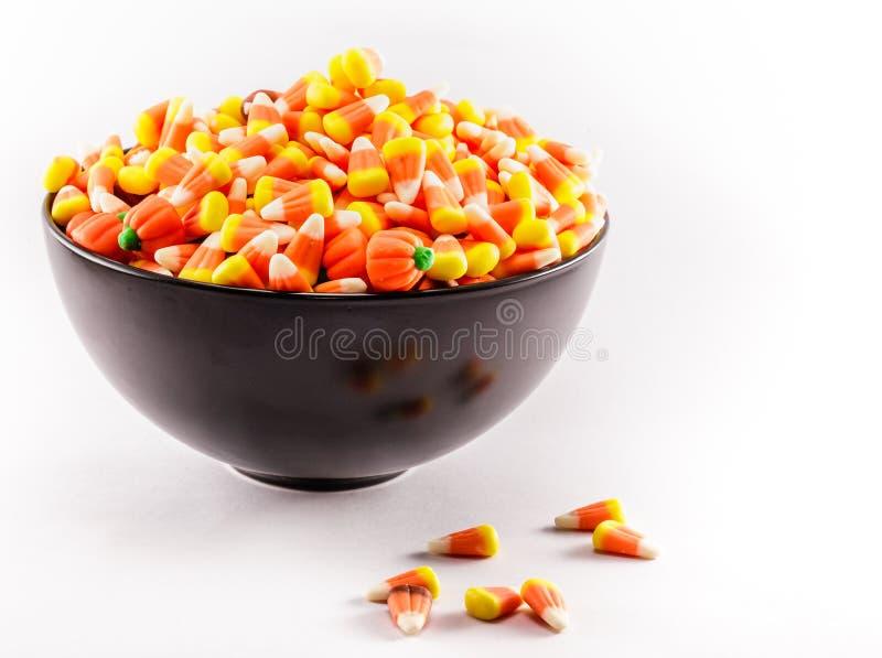 Bonbons au maïs dans une cuvette photographie stock