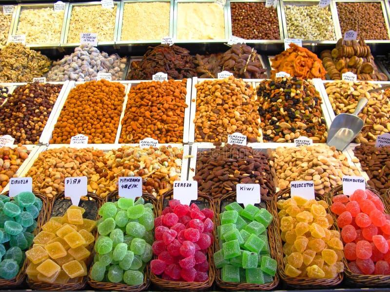 Bonbons au marché images stock