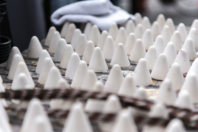 Bonbons belges dans la forme de cône image stock