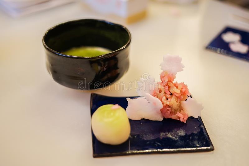 Bonbons japonais et th? vert photo libre de droits