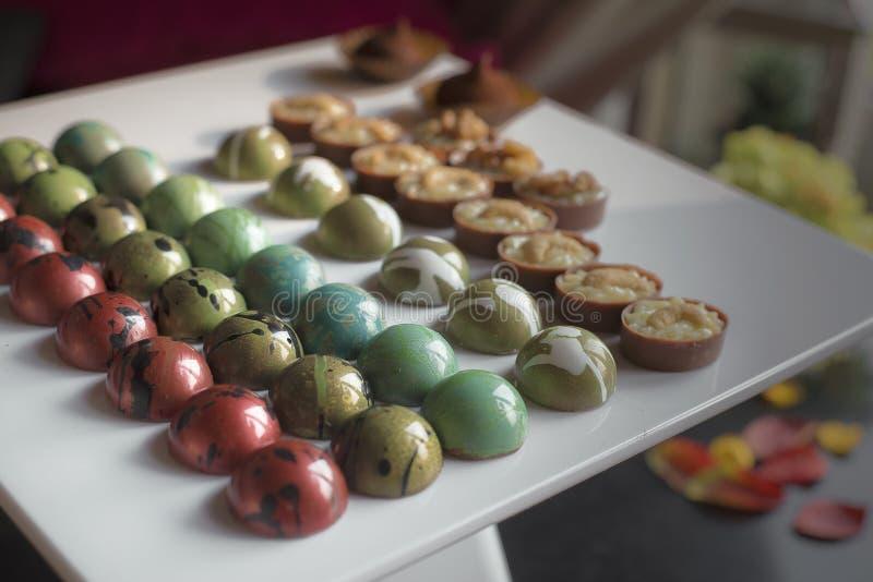 Bonbons modernes à boîte de chocolat coloré de seet photographie stock