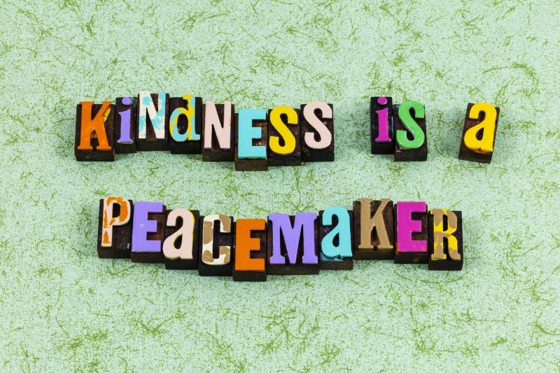 Bondade pacificadora gentileza a chance de paz ajuda o trabalho de equipe com letra fotografia de stock royalty free