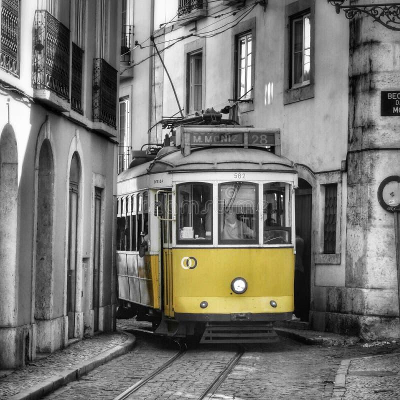 Bonde amarelo de Lisboa imagens de stock