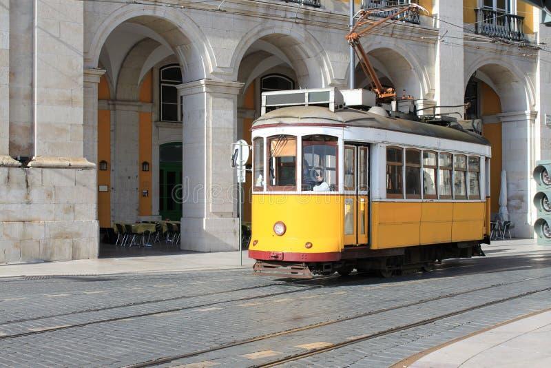Bonde em Lisboa, Portugal foto de stock