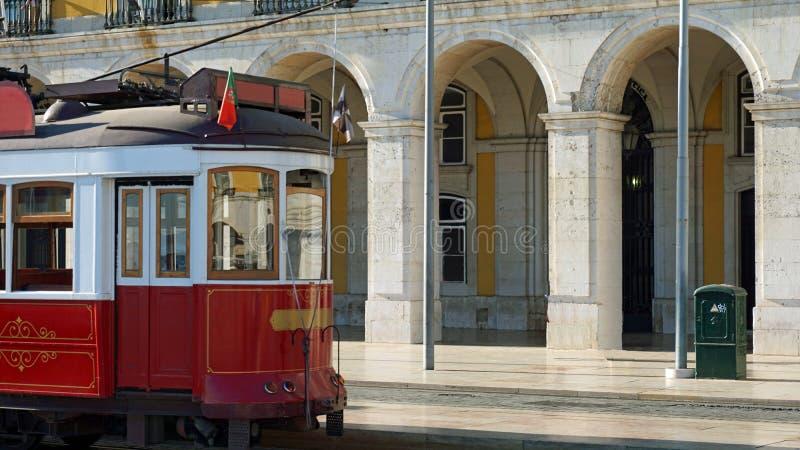 bonde histórico velho na cidade de Lisboa imagem de stock royalty free