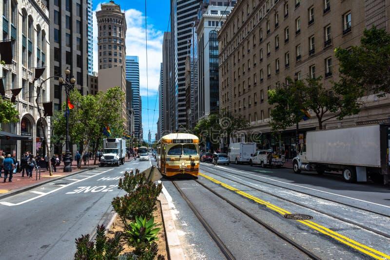 Bonde na rua do mercado, San Francisco fotos de stock royalty free