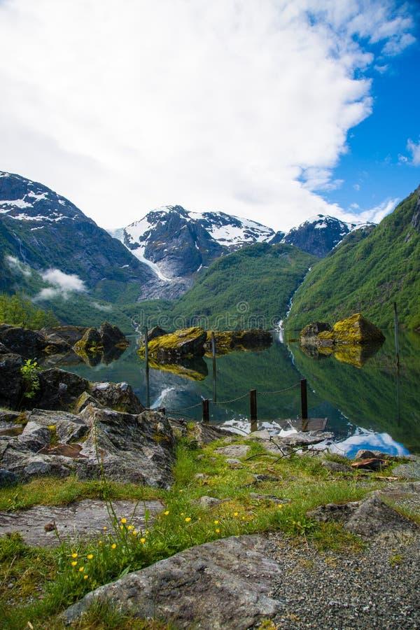 Bondhusvatnetmeer, Noorwegen royalty-vrije stock afbeeldingen