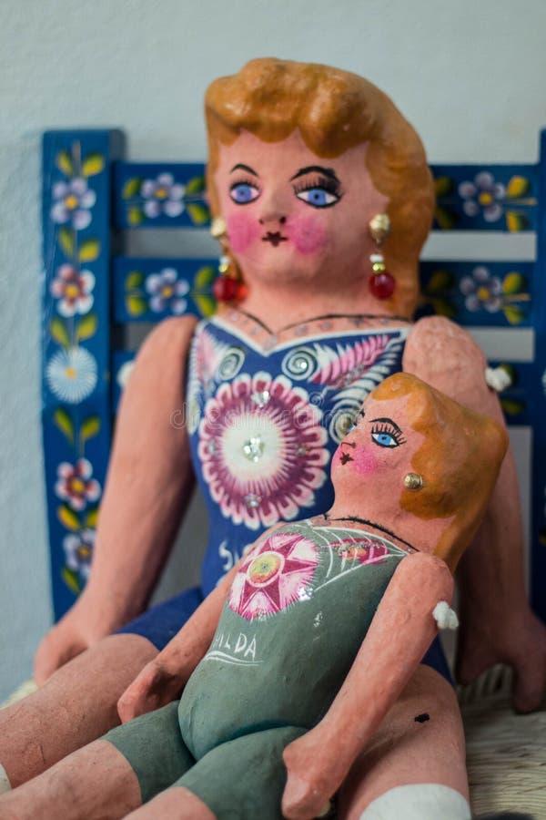 Boneca mexicana da arte popular bonito imagem de stock royalty free