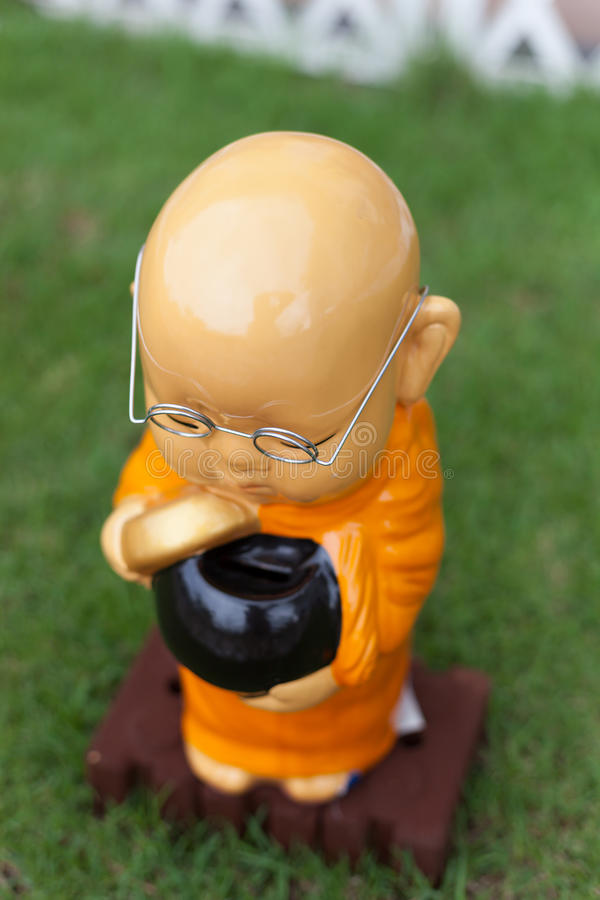Boneca pequena da monge, neófito foto de stock royalty free