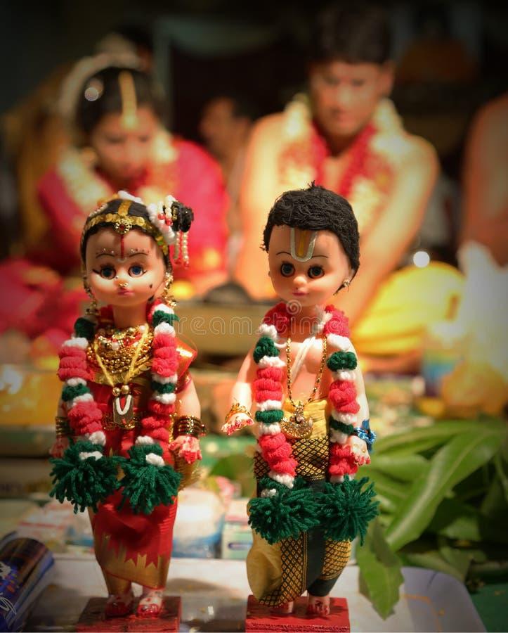 Bonecas casadas foto de stock