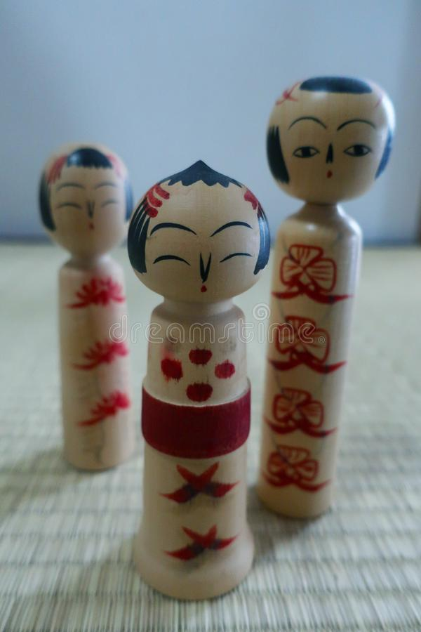 Bonecas de Kokeshi imagem de stock royalty free