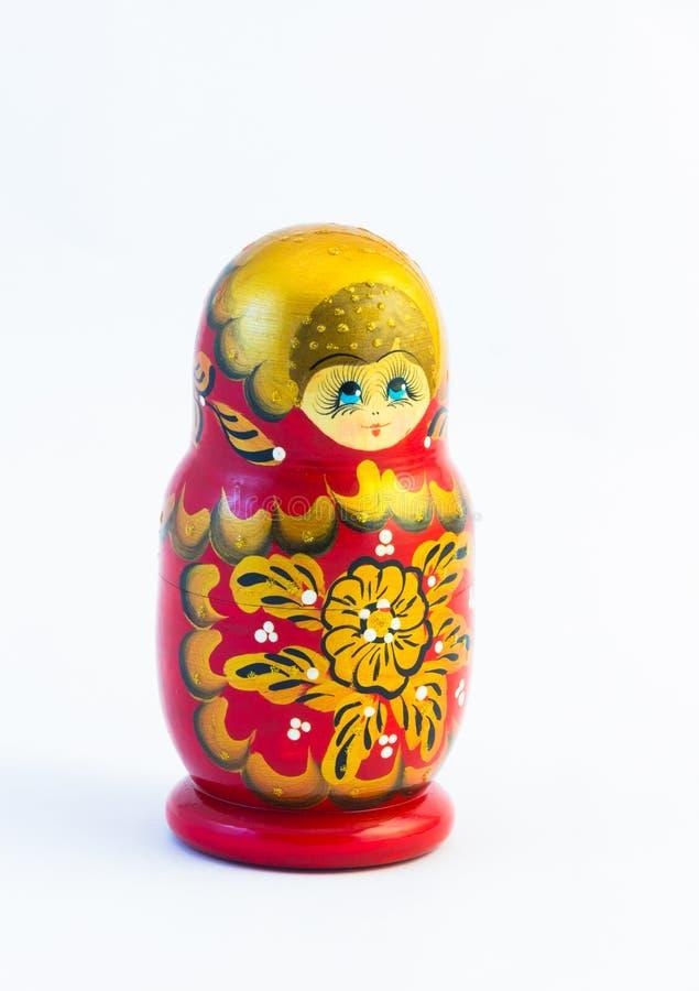 Bonecas grandes de um aninhamento do russo do matryoshka isoladas no fundo branco imagem de stock
