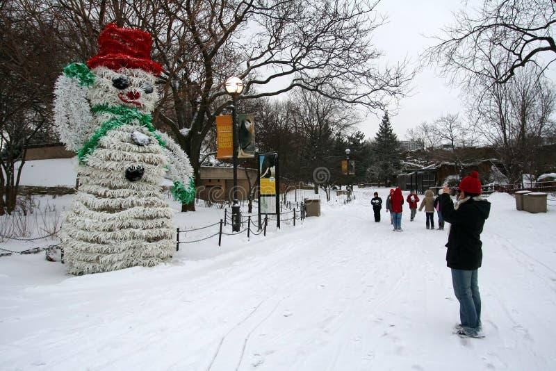 Boneco de neve em Lincoln Park no inverno fotos de stock royalty free