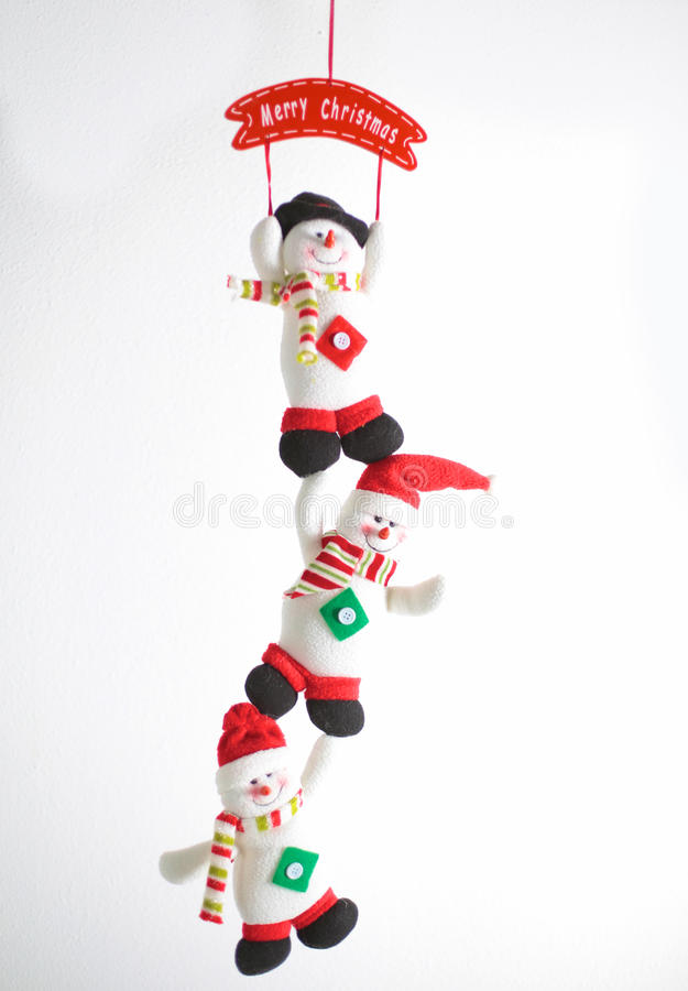 Boneco de neve feliz do Natal do inverno com cenoura e olhos imagens de stock