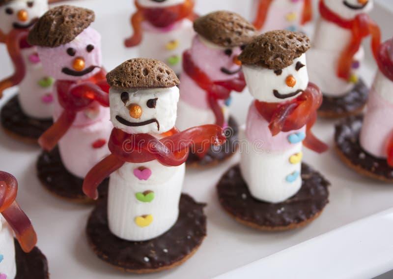 Bonecos de neve do marshmallow fotografia de stock