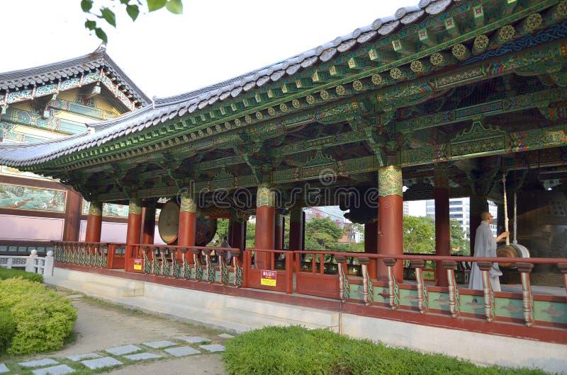Bongeunsa buddistisk tempel i Seoul, Sydkorea royaltyfri bild
