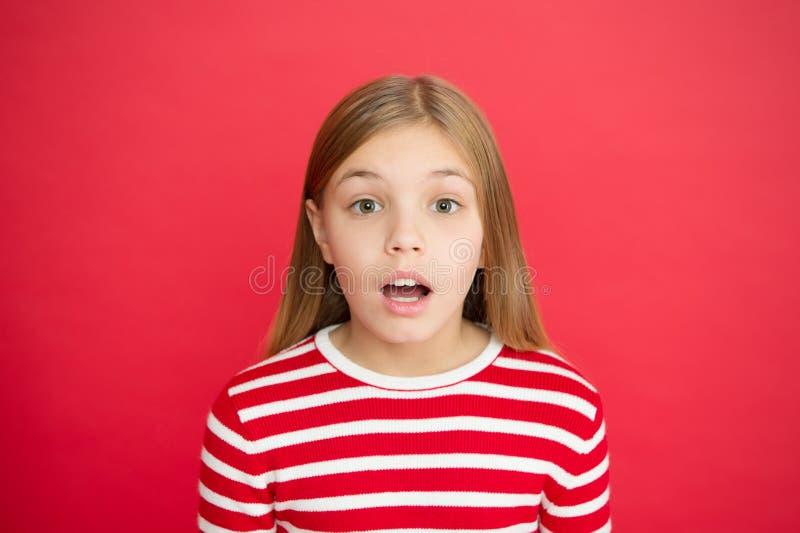 Bonheur d'enfance petit enfant de fille Éducation d'école Famille et amour Le jour des enfants Bon parenting Garde d'enfants image stock