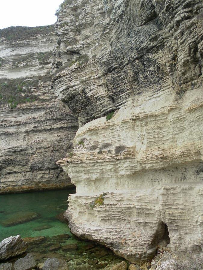 Bonifacio klippa i corsican landskap arkivfoton