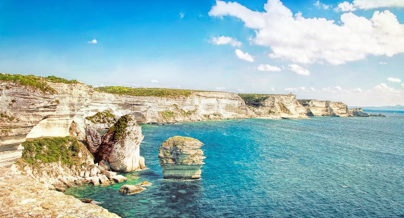 Bonifacio - Picturesquehuvudstad av Korsika, Frankrike royaltyfria bilder