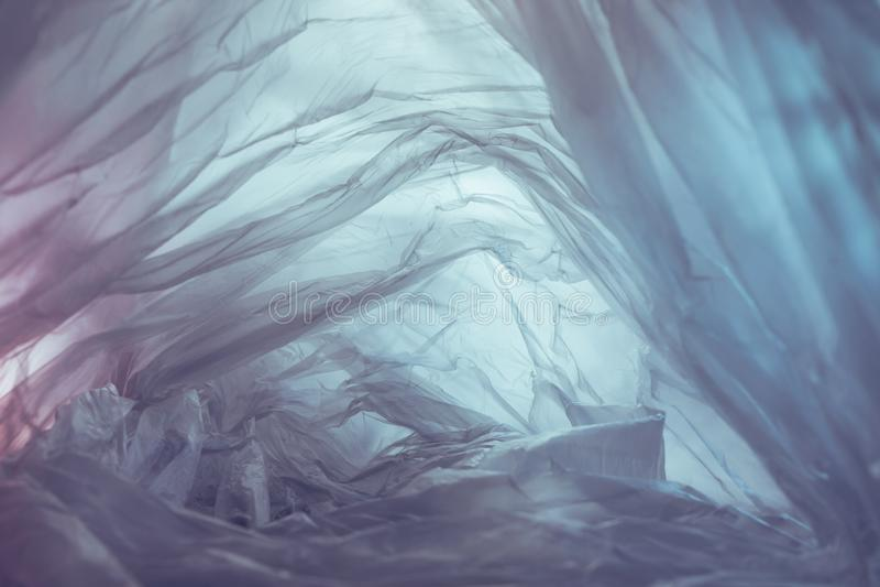 Bonita bolsa de plástico con fondo abstracto No existe el concepto de bolsa plástica, salva el mundo, proteja la tierra fotografía de archivo