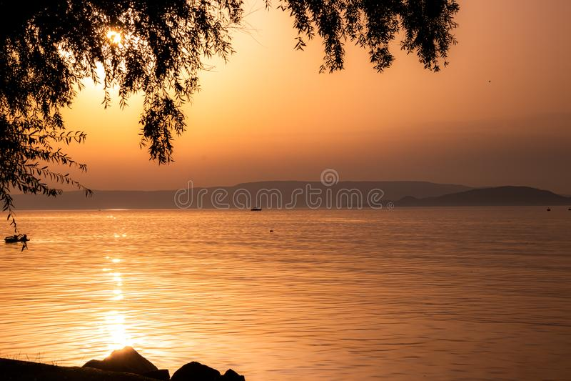 Bonita puesta de sol en Italia foto de archivo libre de regalías