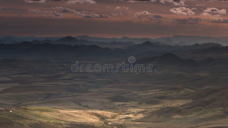 Bonita vista de las montañas de Azrou en Marruecos imagenes de archivo