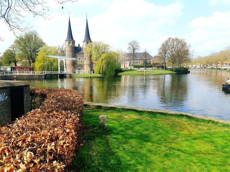 Bonita vista del pequeño pueblo Naturaleza de la ciudad netherlands imagenes de archivo
