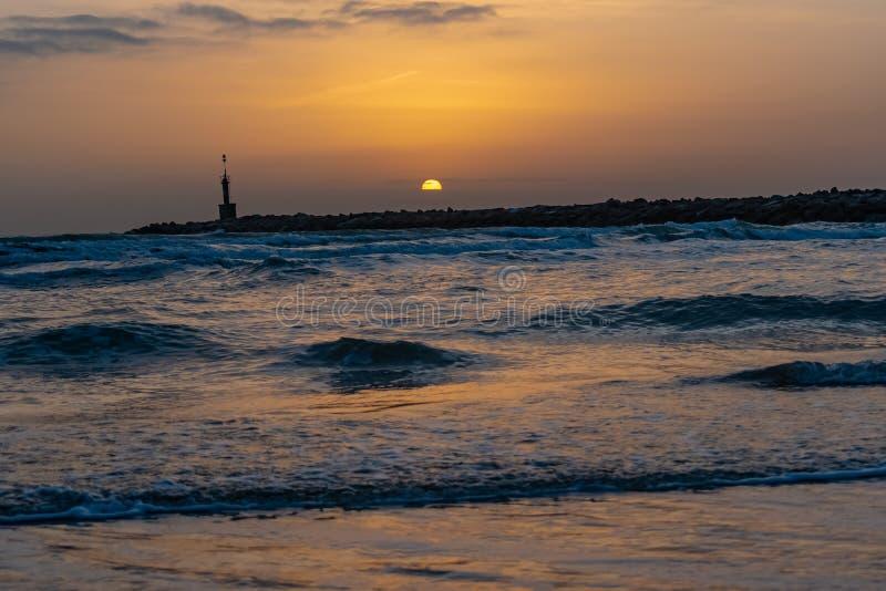 Amanecer En El Mar Stock Image Image Of Larga Espaaaea 167710243