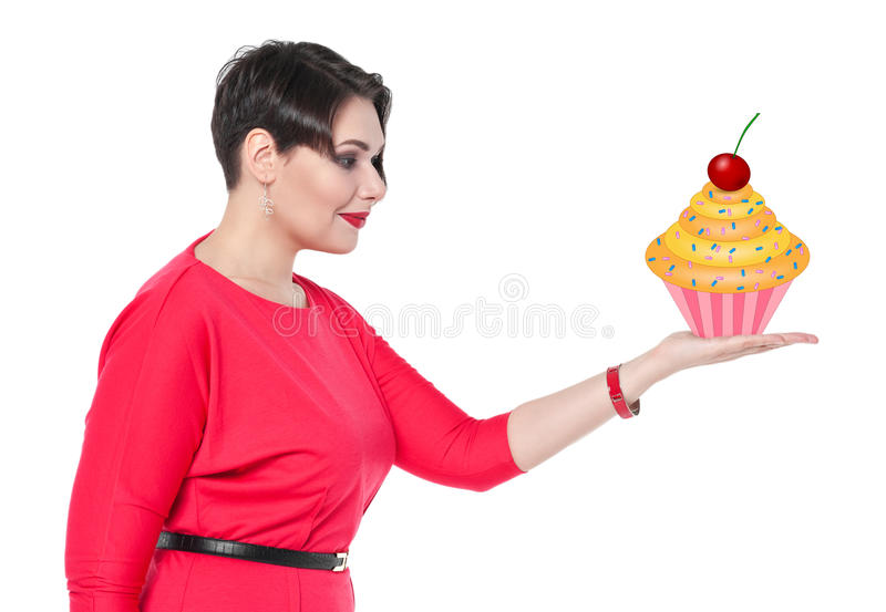 Bonito mais o bolo da terra arrendada da mulher do tamanho em sua mão imagem de stock