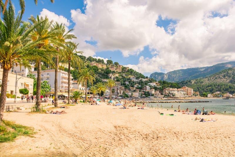 Bonito Porto de Soller em Mallorca foto de stock