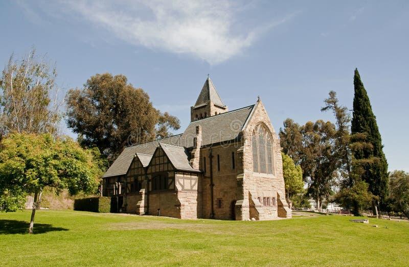 Bonito toda a igreja de Saint de Pasadena imagens de stock royalty free