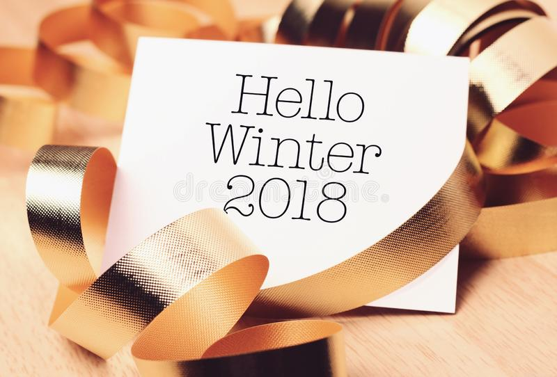 Bonjour hiver avec la décoration photographie stock libre de droits