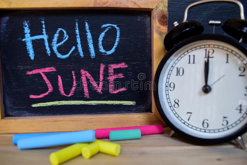 Bonjour juin De nouveau au concept d'école photo stock