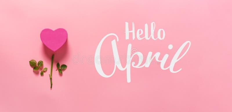 Bonjour message d'avril avec la fleur de coeur photos libres de droits