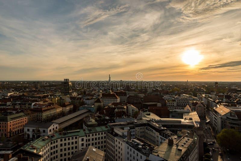 Bonjour Munich - crépuscule à Munich image libre de droits