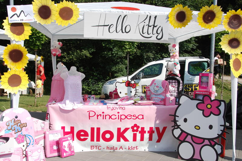 Bonjour stand de Kitty images stock