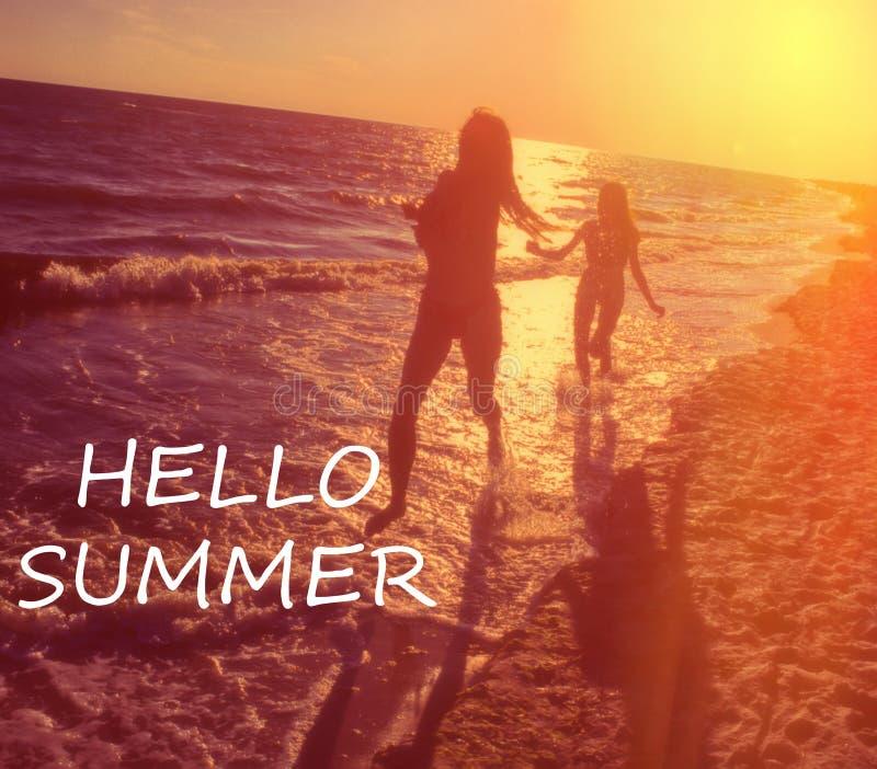 Bonjour typographie d'été image libre de droits
