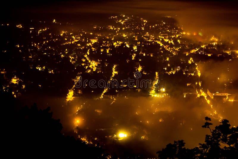 Bonn bij nacht stock afbeeldingen