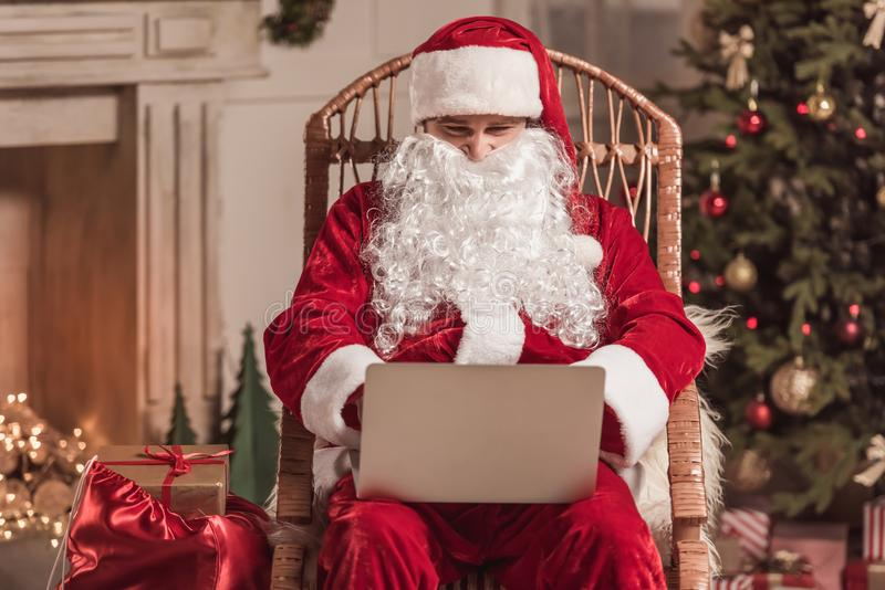 Bonne année ! Santa photos stock