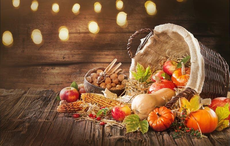 Bonnes décorations pour des bannières de chute et d'automne photo stock
