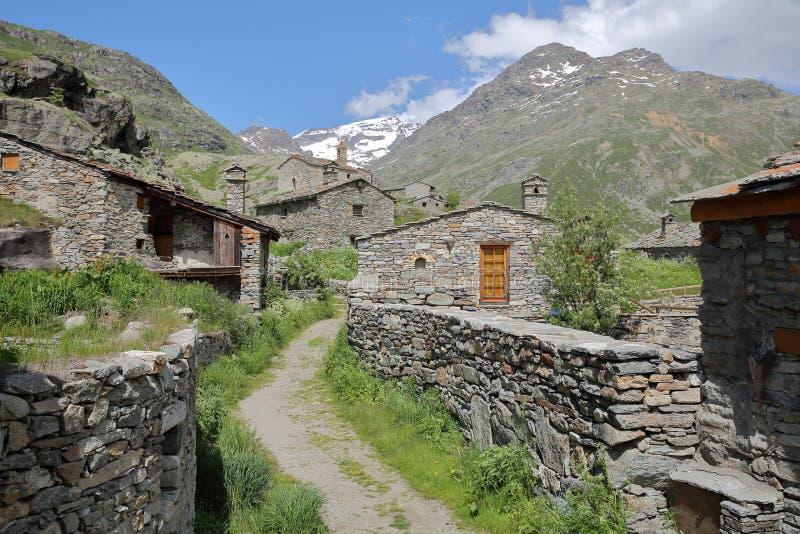 BONNEVAL-SUR-ARC, ΓΑΛΛΊΑ: Το χωριουδάκι Λ ` Ecot στο εθνικό πάρκο Vanoise, βόρειες Άλπεις στοκ εικόνα