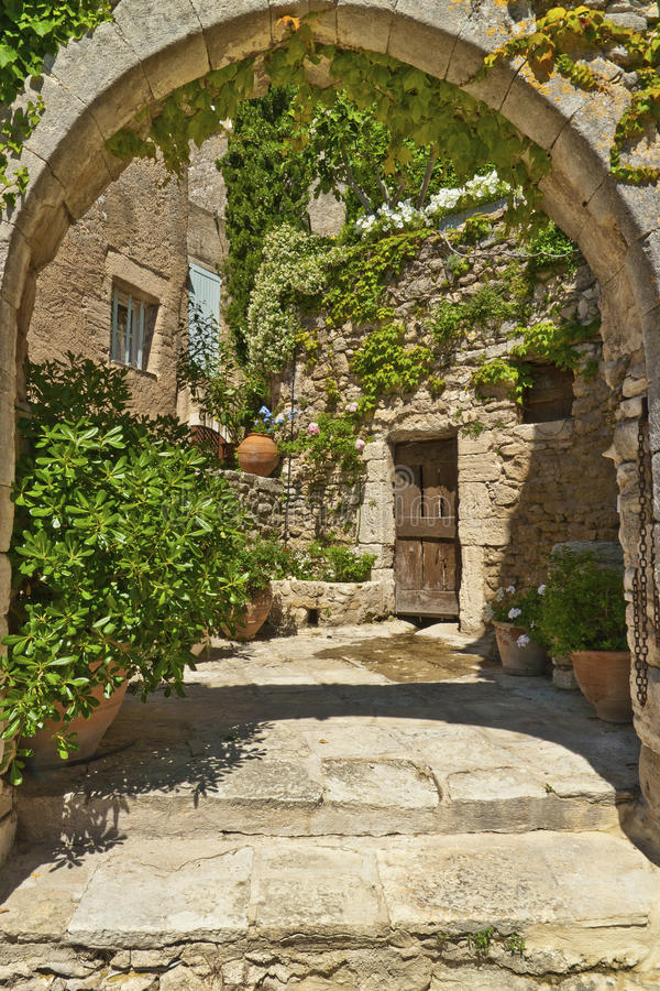 Download Bonnieux stock photo. Image of medieval, facade, house - 16269706