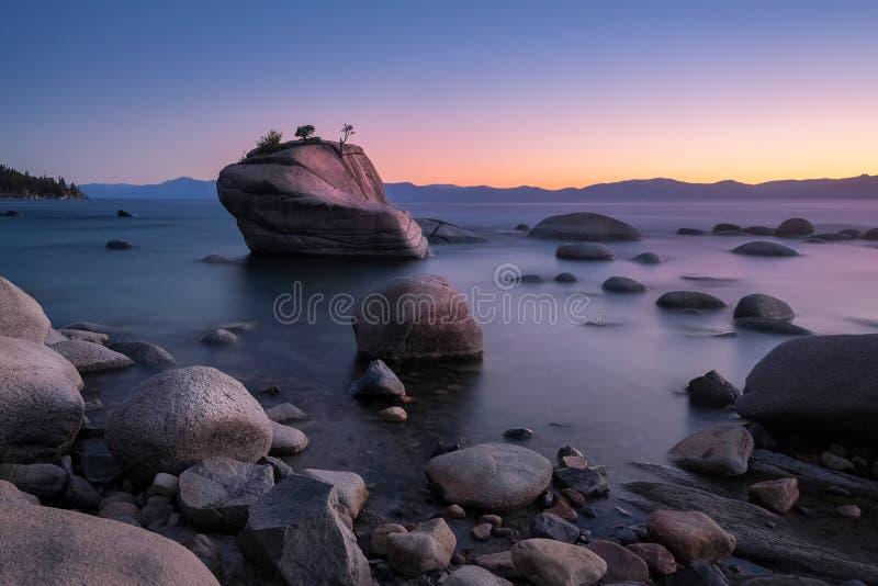 Bonsais-Felsen bei Lake Tahoe stockfoto