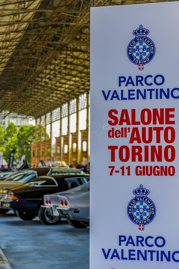 Bonte tentoonstelling van Amerikaanse auto's in Dora Public Park Turin, stock afbeeldingen