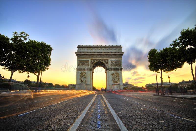 Boog DE triomphe bij Zonsondergang, Parijs stock fotografie
