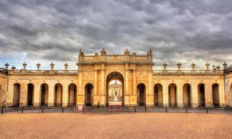 Boog hier zoals die van Place DE La Carriere - Nancy wordt gezien royalty-vrije stock foto's