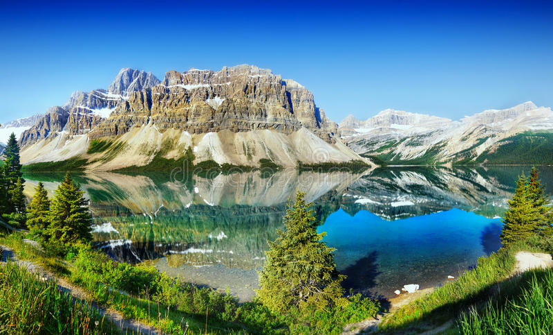 Boogmeer, het Nationale Park van Banff, Canada stock afbeeldingen