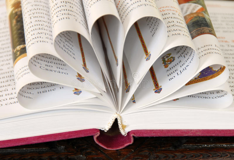 Book pages flower