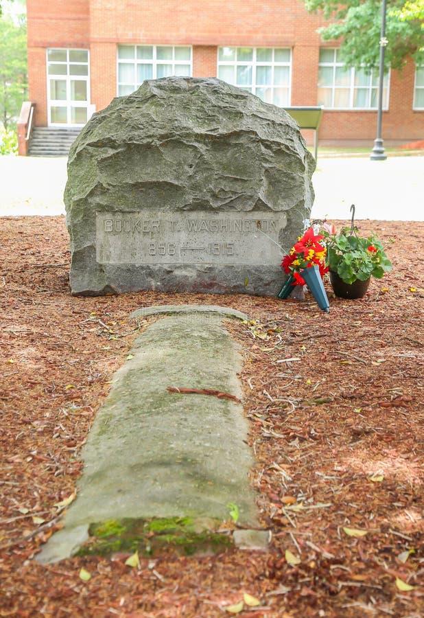 Booker T Washington Grave Site royaltyfri fotografi