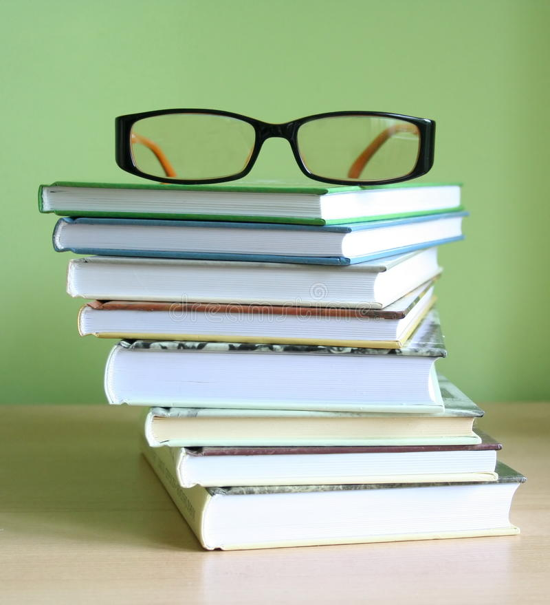 Free Books And Glasses Stock Images - 15321154